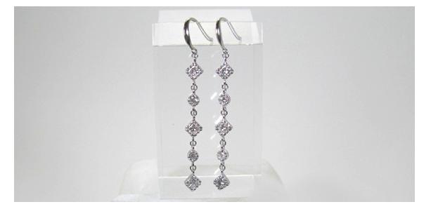 オーダーメイドのダイヤモンド超ロングピアス、ホワイトゴールド製