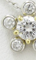 花をイメージしたデザインのダイヤモンドのオーダーメイドリング