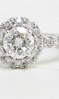 ご両親の婚約指輪を思い出と共にリフォームしたダイヤモンドのリング